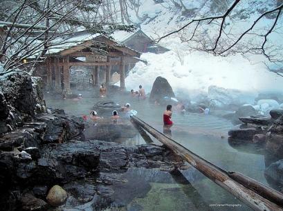 Membayangkan kami 'onsen' seperti ini. Foto dari: https://www.flickr.com/photos/johngcramer/8438048720/