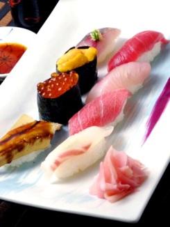 Foto sushi ini saya ambil dari: http://www.jnto.or.id/