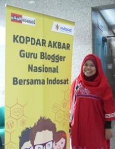 Saya menyempatkan merekam kenangan di banner Kopdar Akbar Guru Blogger Nasional hari ini :)