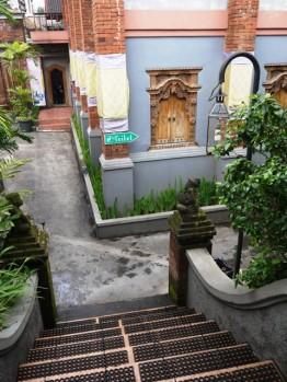 Toilet nyaman dengan suasana Bali :)